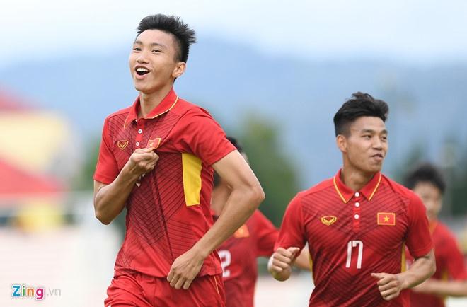 U19 Viet Nam hay doi tuyen quoc gia thuc su can Doan Van Hau? hinh anh 1
