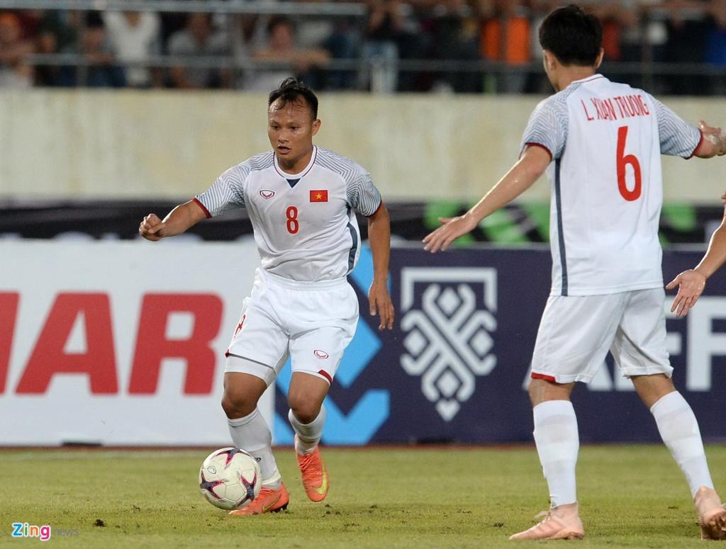 Viet Nam vs Malaysia: Cuoc doi dau cua hai the he tai nang moi hinh anh 2