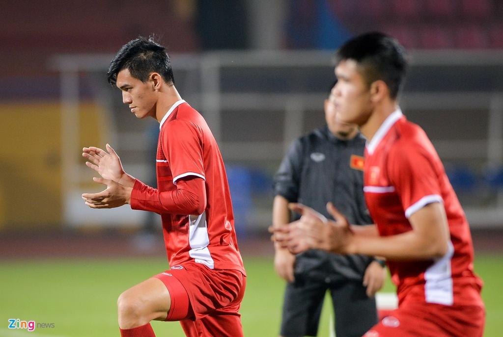 Viet Nam vs Campuchia: Co hoi cuoi cho nhung chang Bui Tien Dung? hinh anh 2