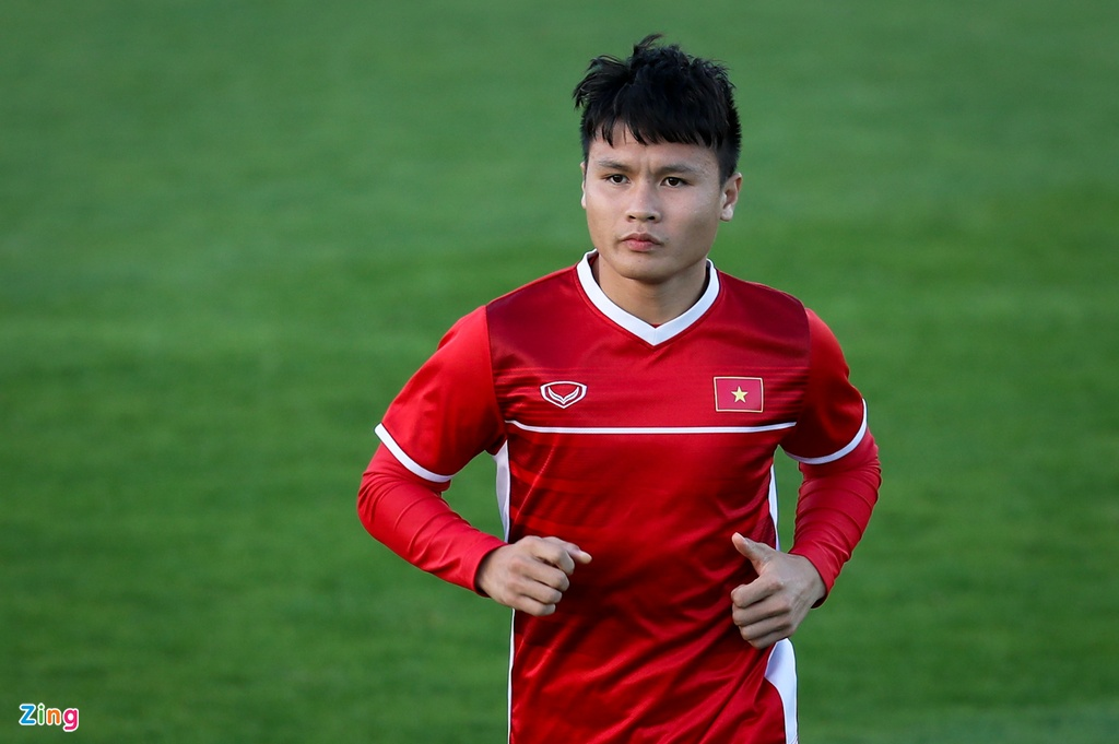 Viet Nam vs Iraq: Chao Asian Cup, Quang Hai toi day hinh anh 2
