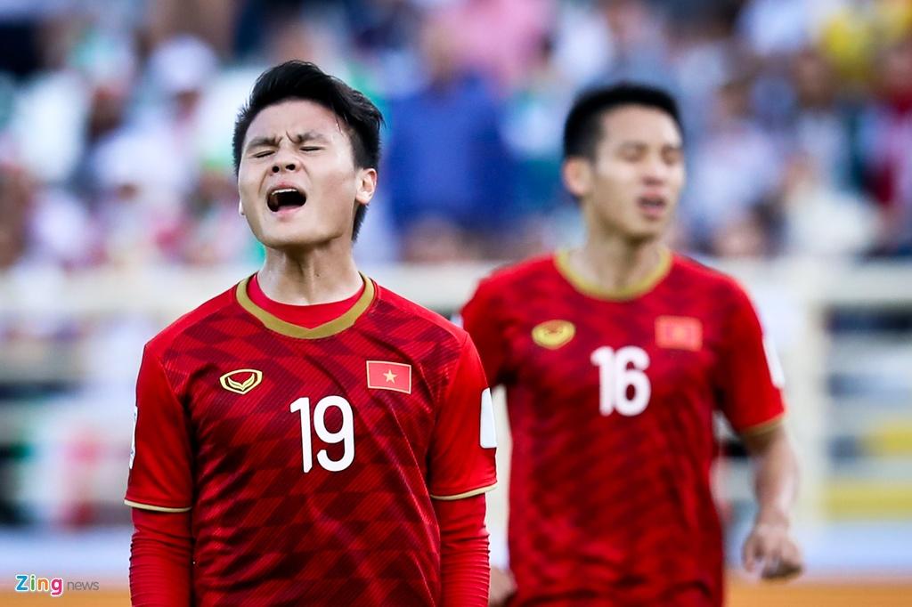 Vi Quang Hai, thay Park tranh cai voi HLV Queiroz lung danh hinh anh 11