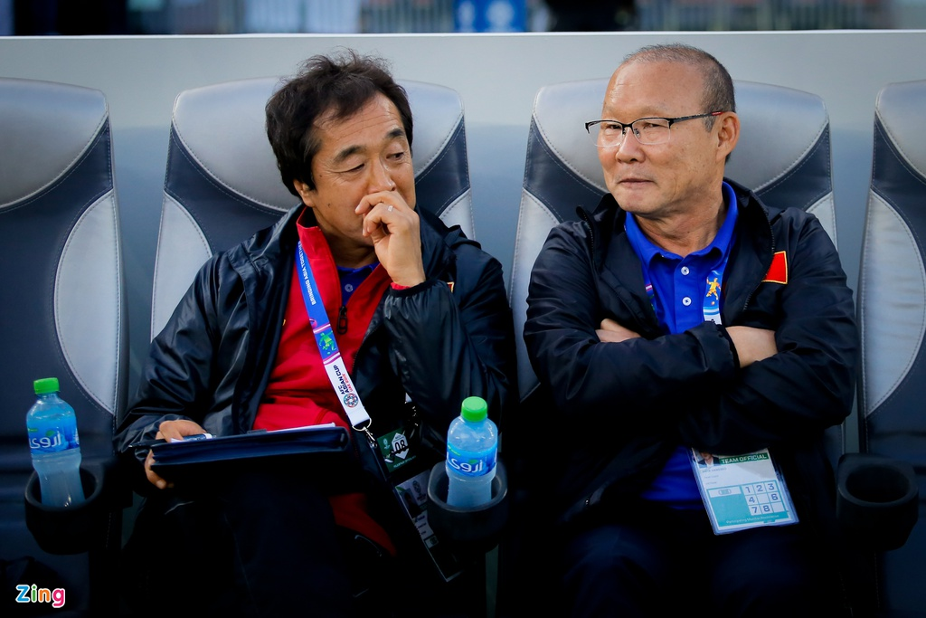 Nhung ung vien thay the HLV Park Hang-seo dan dat U23 Viet Nam hinh anh 2