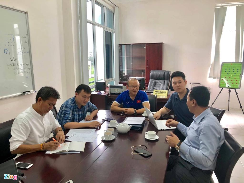 Nhung ung vien thay the HLV Park Hang-seo dan dat U23 Viet Nam hinh anh 3