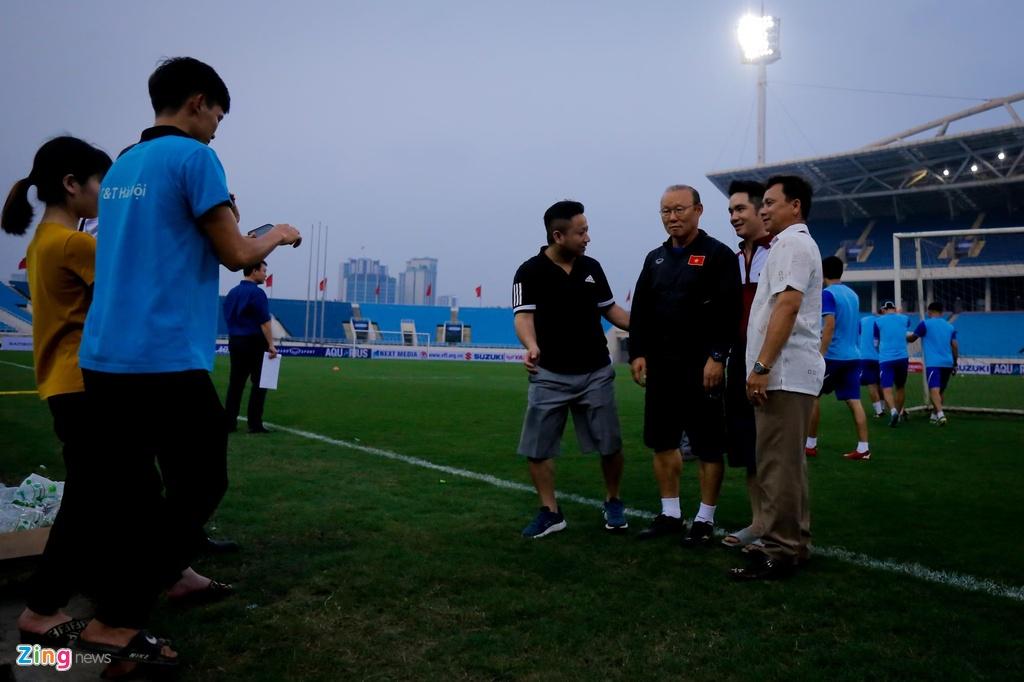 HLV Park Hang-seo hanh dong dep voi CDV truoc tran gap Brunei hinh anh 2