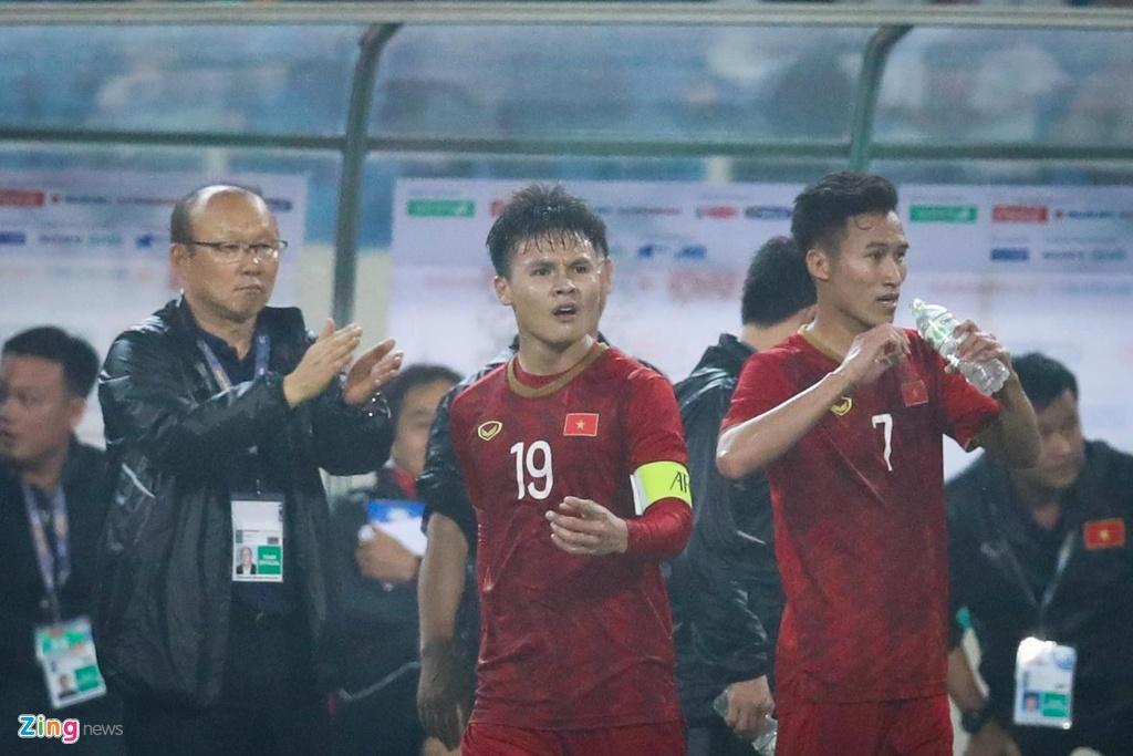 Quang Hai: Ganh nang thu quan khong ngan duoc nguoi hung toa sang hinh anh 13