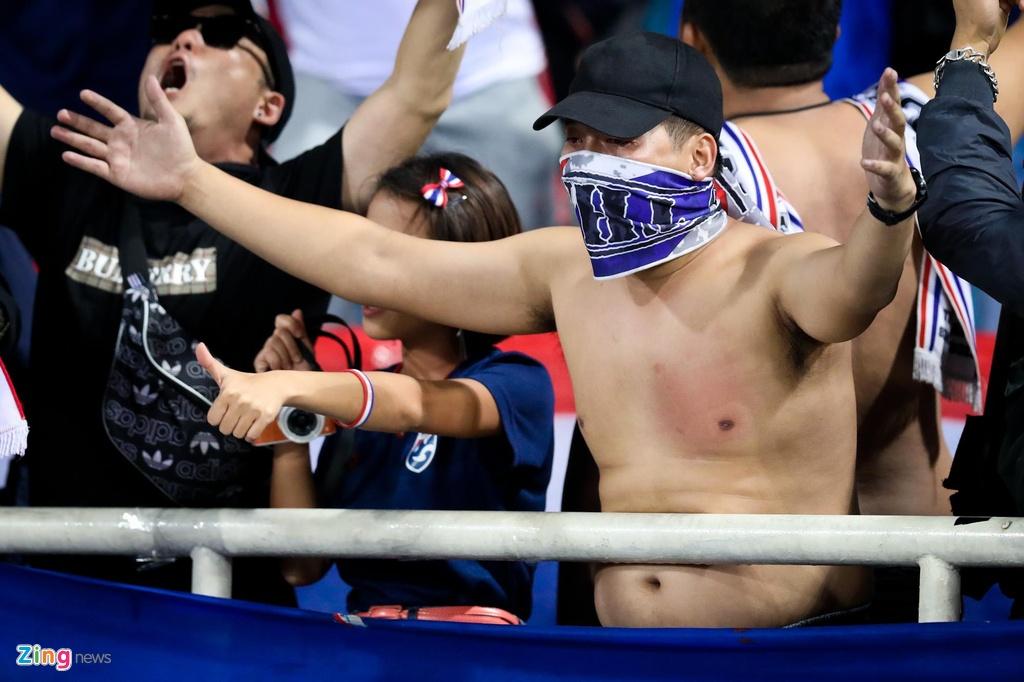 CDV Thai gat noi dau, o ben canh U23 Thai Lan toi phut cuoi cung hinh anh 8