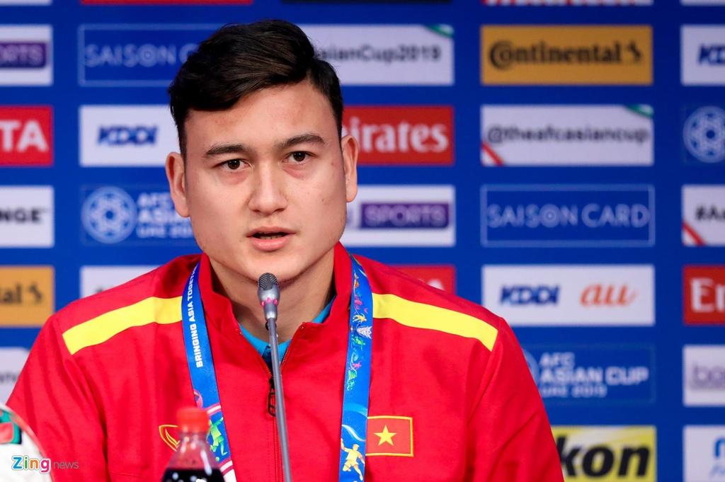 Cong Phuong ra mat CLB Sint-Truiden anh 4