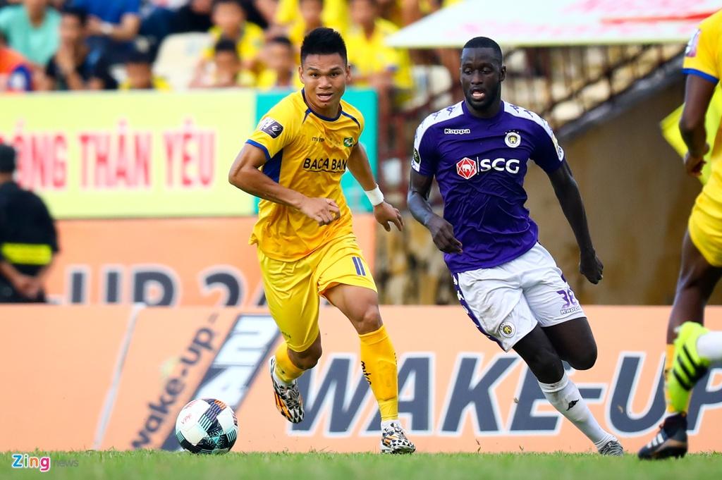 19 phut khong nhu y cua cau thu sinh nam 2000 ra mat V.League hinh anh 5