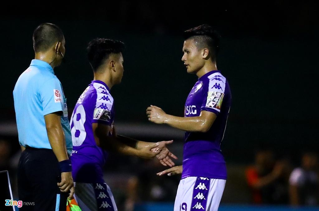 19 phut khong nhu y cua cau thu sinh nam 2000 ra mat V.League hinh anh 9