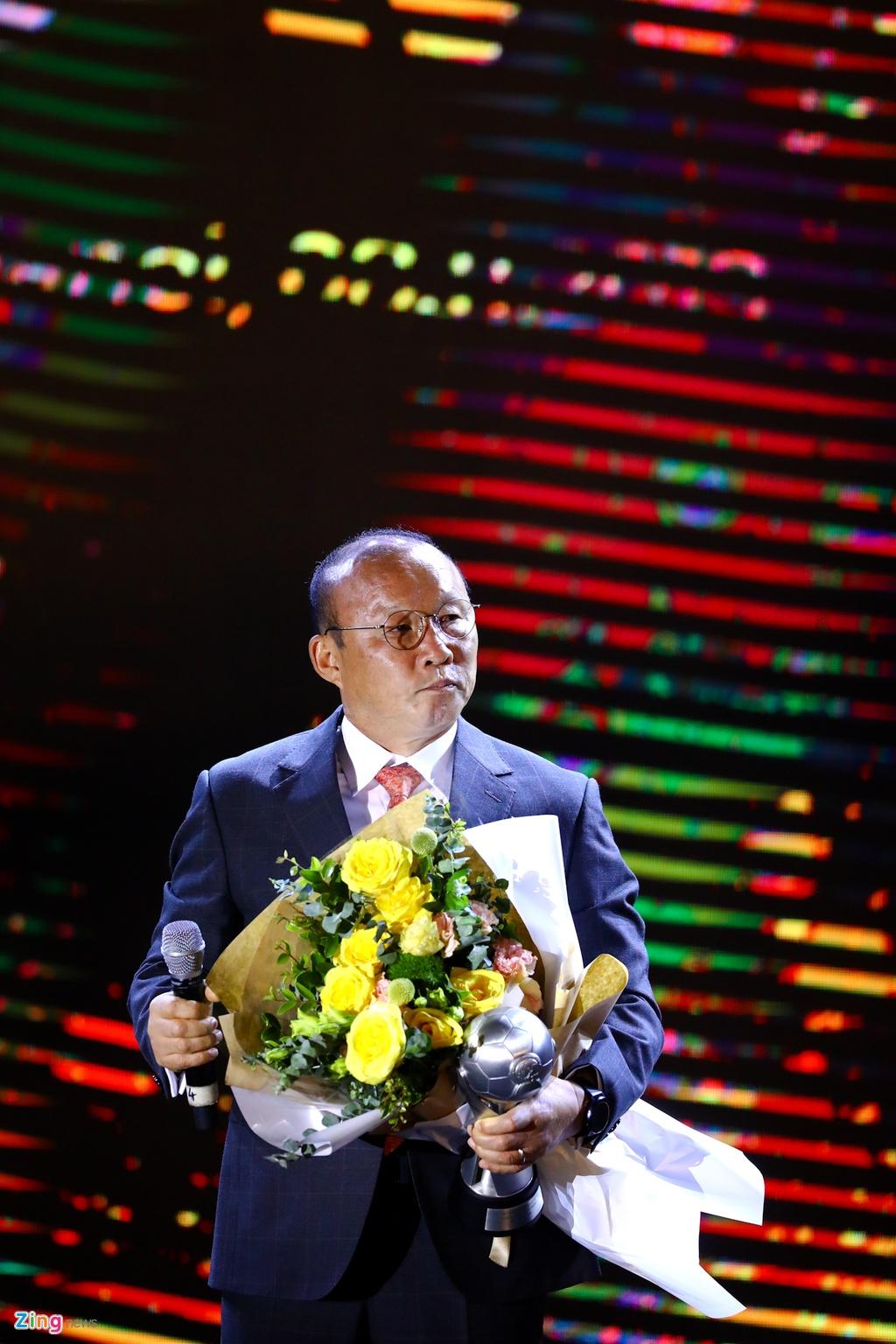 Quang Hai lap cu dup AFF Awards 2019 anh 4