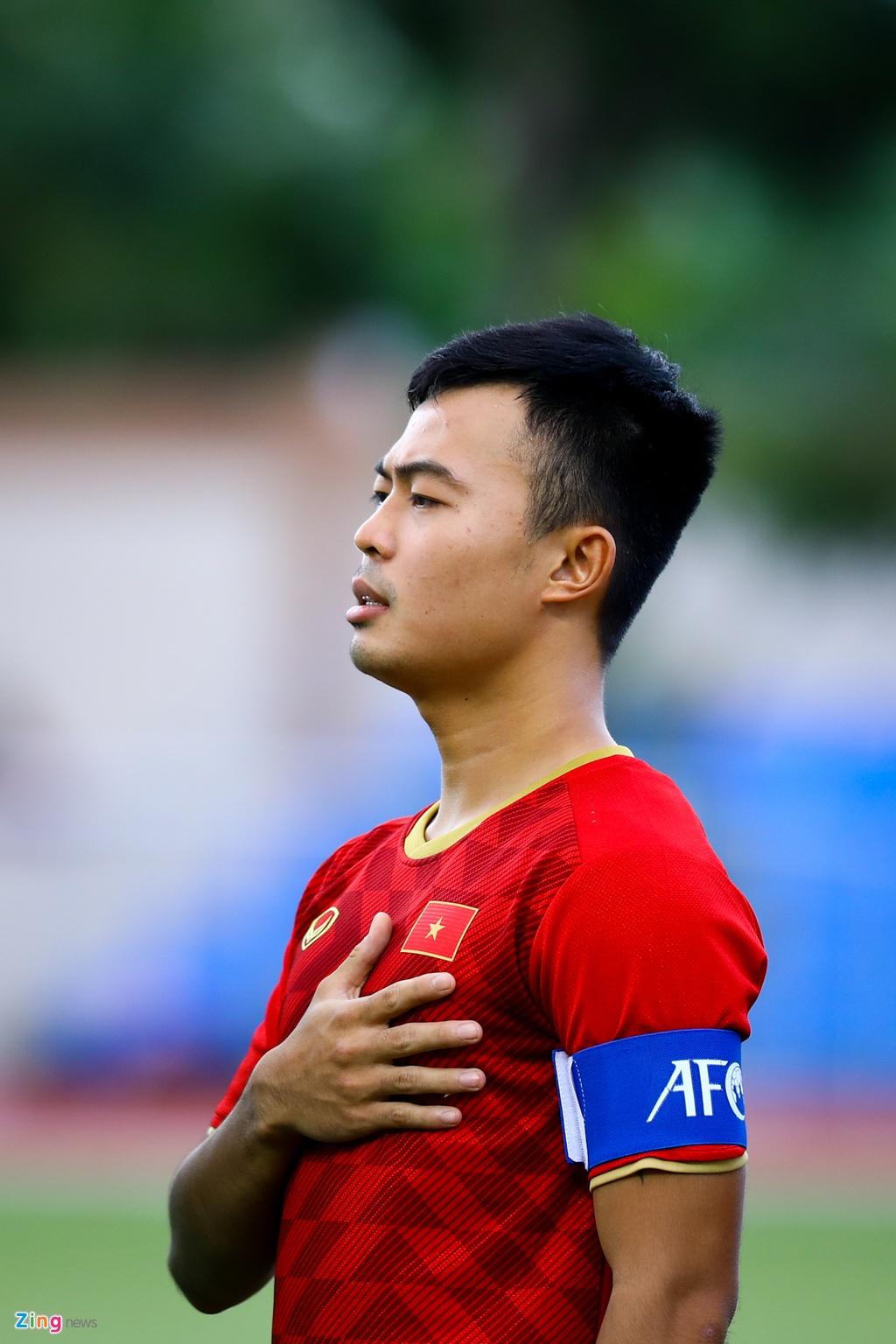 Quang Hai, Hung Dung xem U22 Viet Nam de bep Brunei hinh anh 2