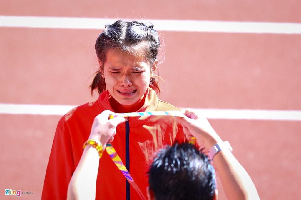 VDV Viet Nam gianh HCD marathon sau khi VDV Indonesia gap su co hinh anh 7
