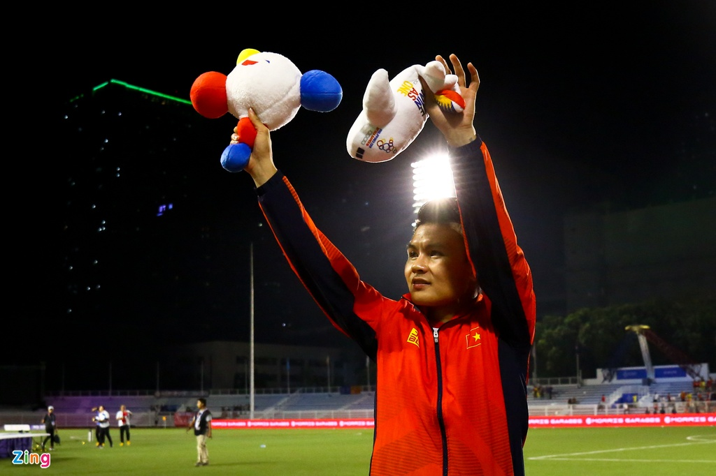 Quang Hai chua kip ra san thi trong tai thoi coi het tran chung ket hinh anh 8