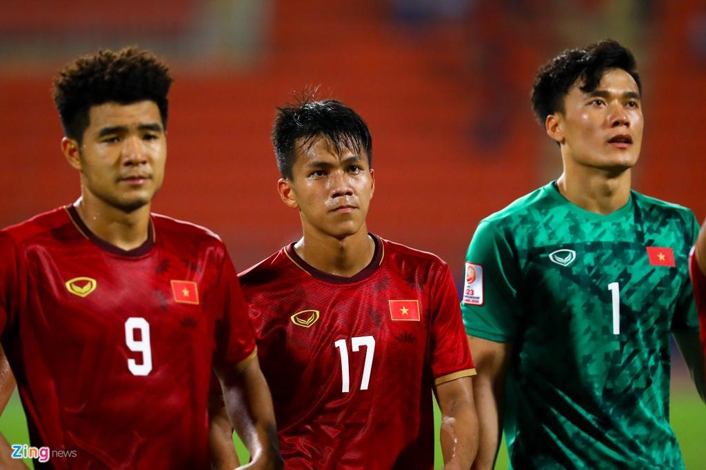 Tran Bao Toan khien U23 Viet Nam nhan phat den trong ngay ra mat hinh anh 11