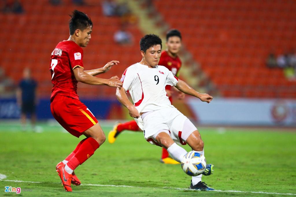 Tran Bao Toan khien U23 Viet Nam nhan phat den trong ngay ra mat hinh anh 2 Bao_Toan_U23_Viet_Nam_2_zing.jpg