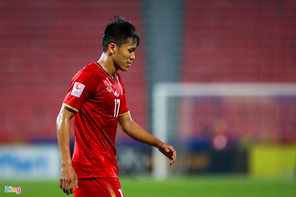 Tran Bao Toan khien U23 Viet Nam nhan phat den trong ngay ra mat hinh anh 6