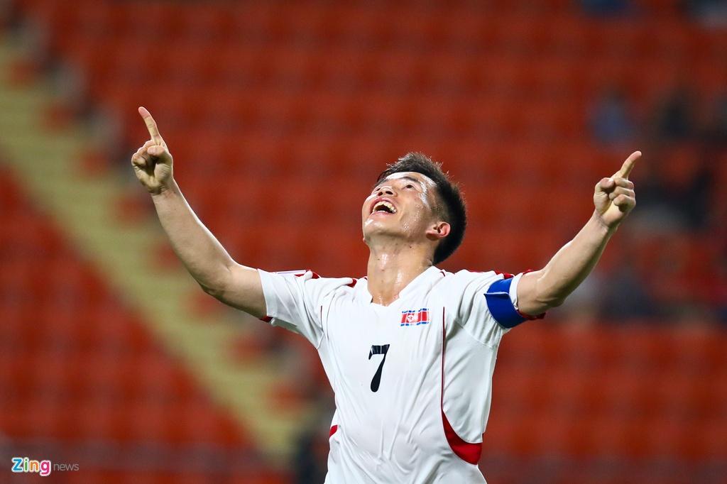 Tran Bao Toan khien U23 Viet Nam nhan phat den trong ngay ra mat hinh anh 8