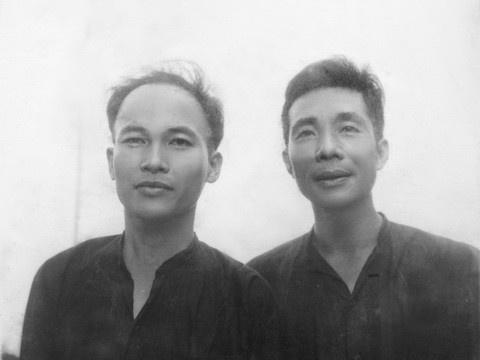 To Hoai, Pham Cao Cung 'dut ganh' khi khoi nghiep xuat ban hinh anh 2 1491676274_nha_van_to_hoai_va_moi_tinh_ngang_trai_anh_2.jpg