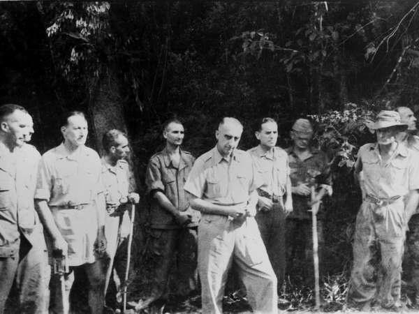Ngay 7/5/1954,  nhung gio phut hap hoi cua quan Phap noi Dien Bien Phu anh 3