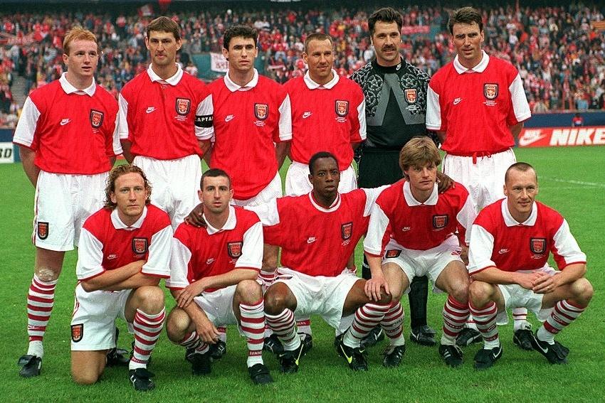 Arsene Wenger gan nhu vo danh voi nguoi Anh khi den Arsenal hinh anh 2 voe1588291809.jpg