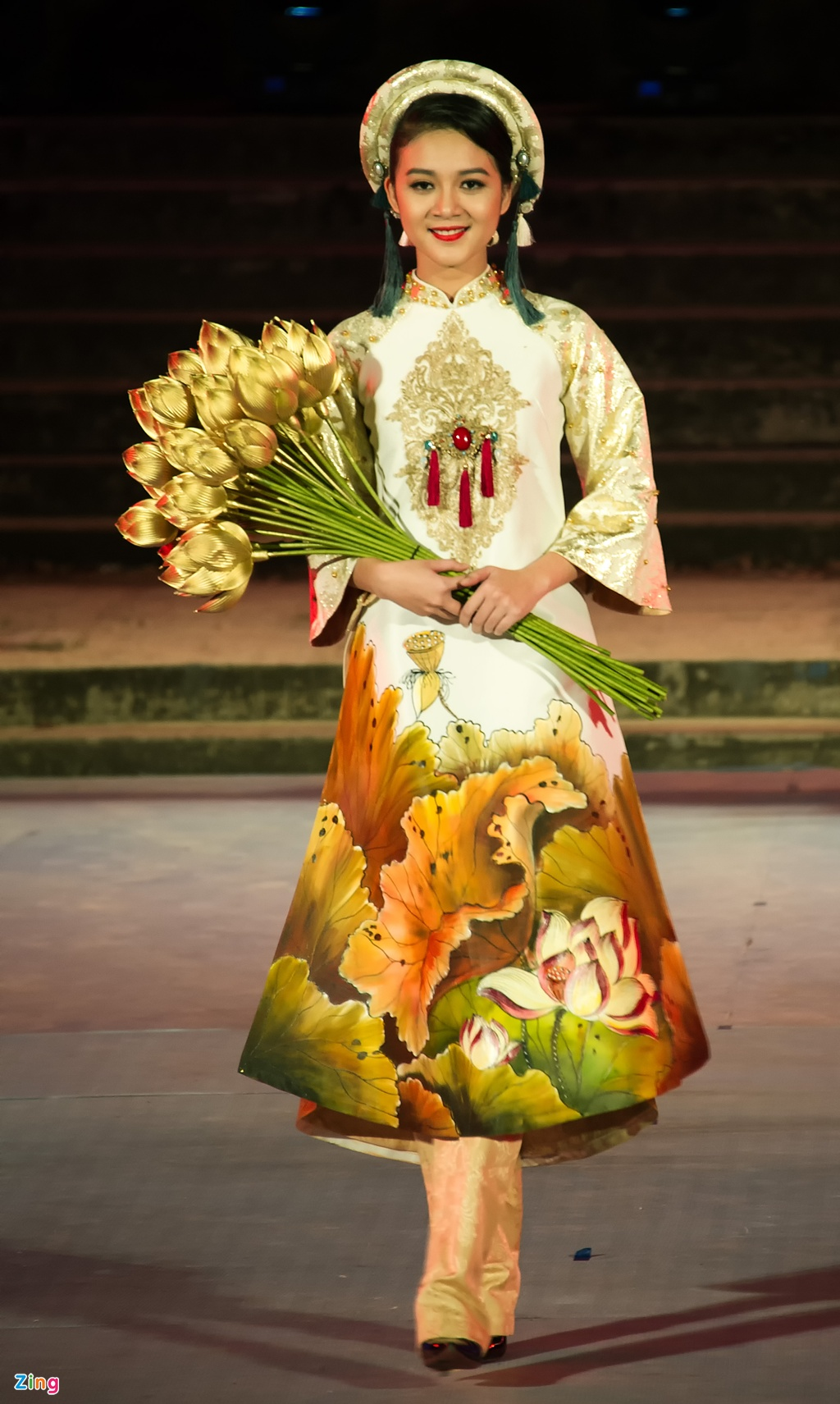 Gan 200 nguoi dep duyen dang ao dai Festival Hue hinh anh 11