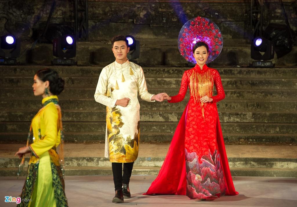 Gan 200 nguoi dep duyen dang ao dai Festival Hue hinh anh 14