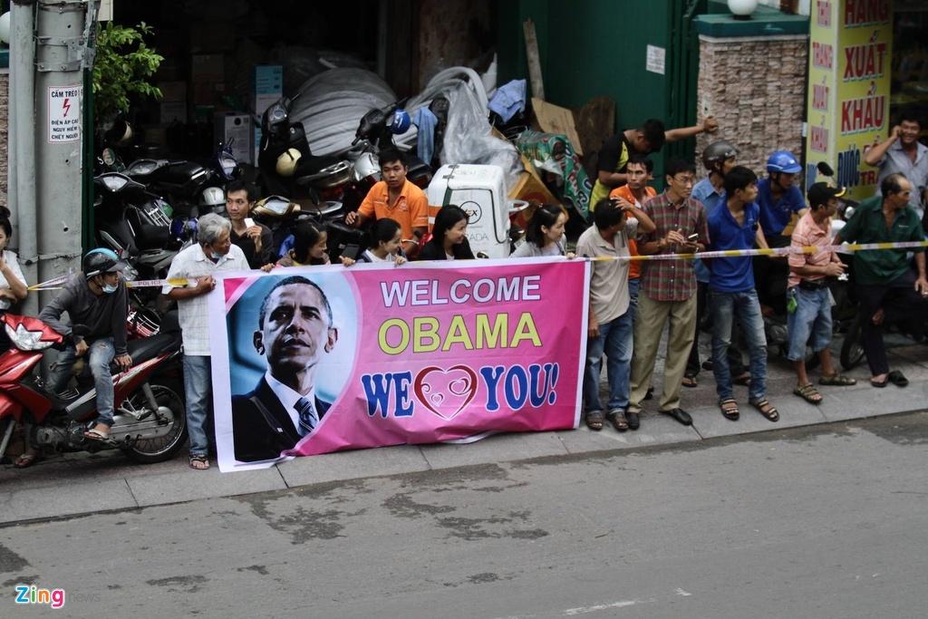Ngay dau ban ron cua Tong thong Obama o Sai Gon hinh anh 3