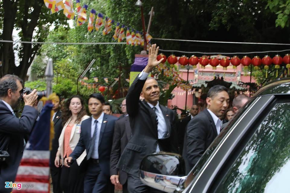 Ngay dau ban ron cua Tong thong Obama o Sai Gon hinh anh 8