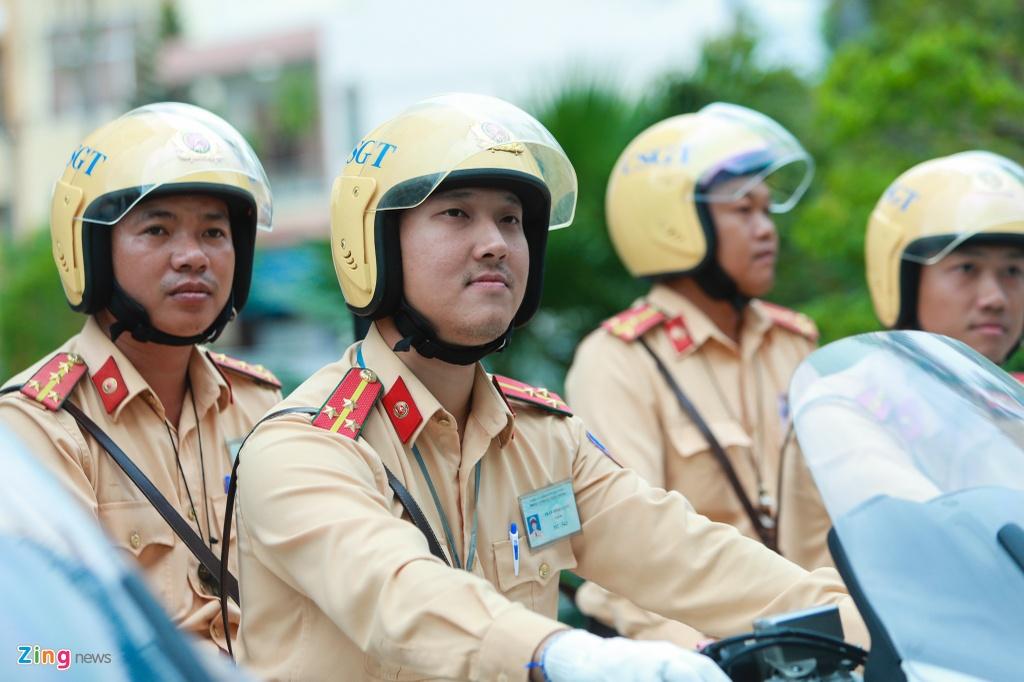 Dan moto 'quai vat duong truong' cua CSGT tai APEC 2017 hinh anh 4