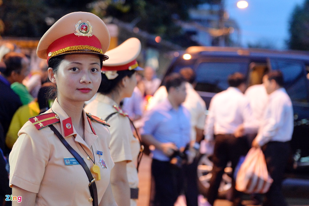Thu tuong loi nuoc dong vien nguoi dan vung lu Hoi An hinh anh 7