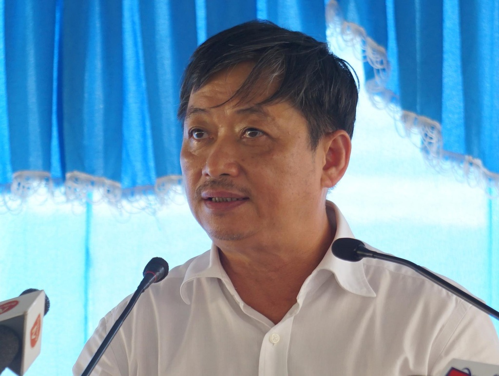 Nguoi dan Da Nang de nghi di doi bai rac Khanh Son gay o nhiem hinh anh 1