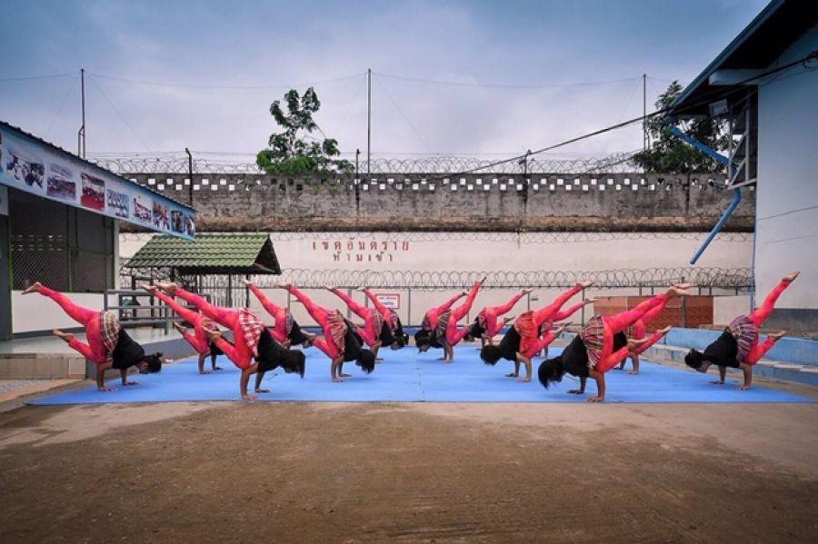 Yoga trong nha tu – co hoi doi doi cho cac tu nhan Thai Lan hinh anh 1 02.jpg