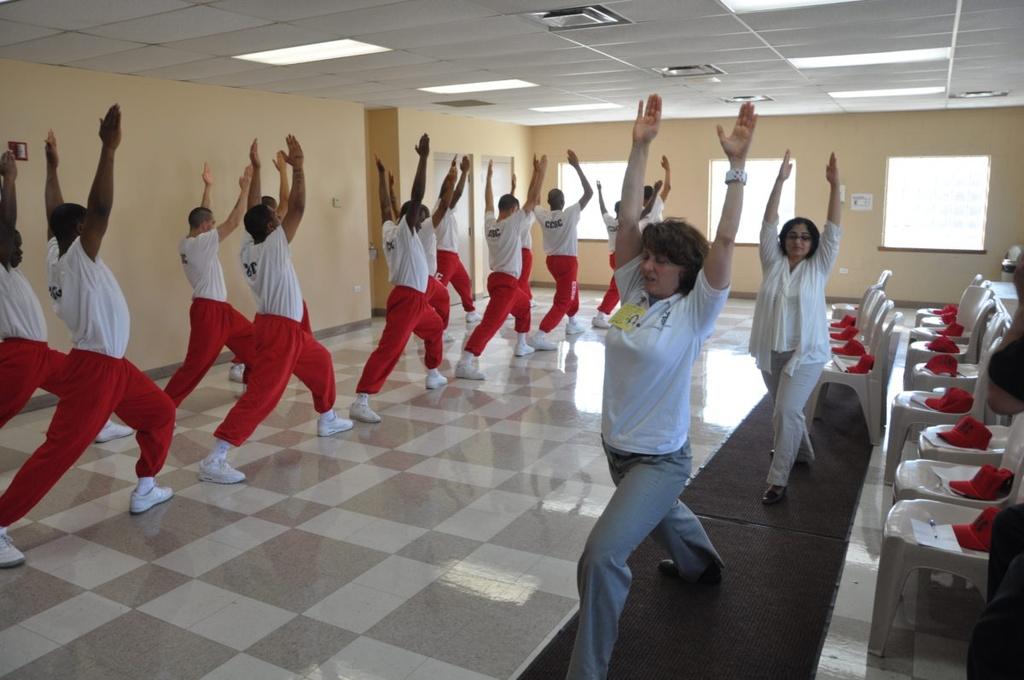 Yoga trong nha tu – co hoi doi doi cho cac tu nhan Thai Lan hinh anh 3 04.jpg