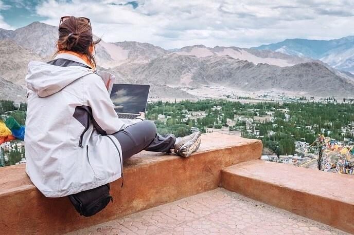 Travel blogger du lich qua man hinh trong mua dich hinh anh 3 e.jpg