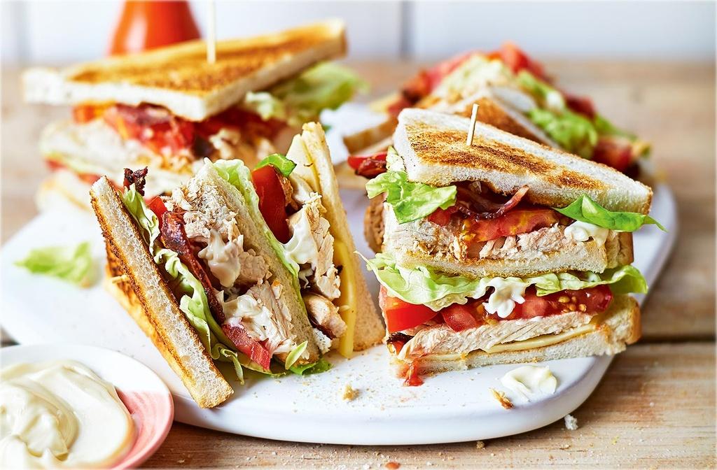Sandwich va 5 mon noi tieng duoc tao ra nho an may hinh anh 1