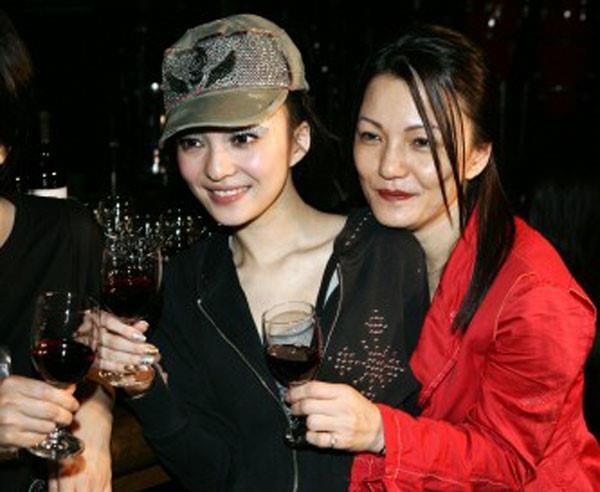 Chuyen ve me Thai Thieu Phan, Truong Ba Chi nghien co bac, lua con hinh anh 5