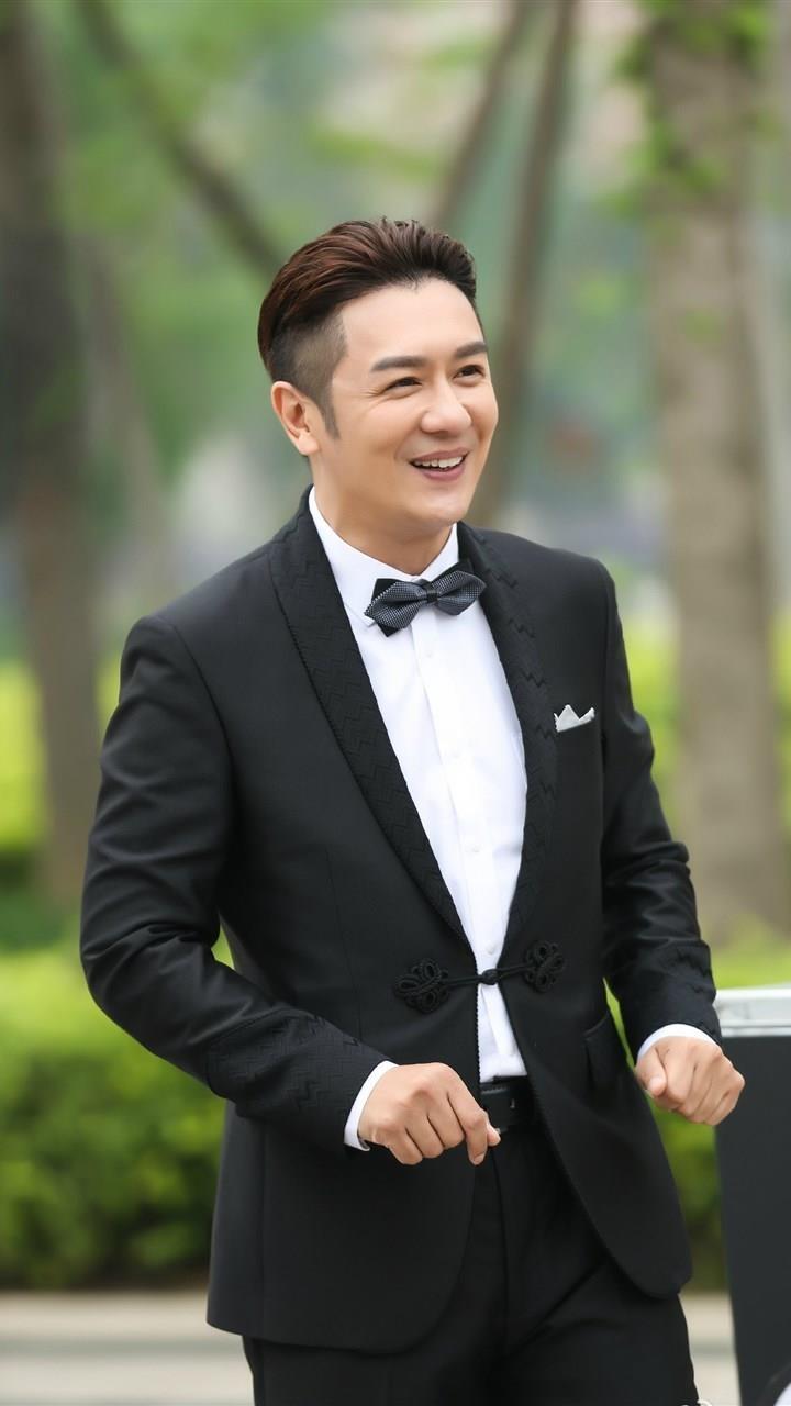 Tran Hao Dan phau thuat tham my anh 2
