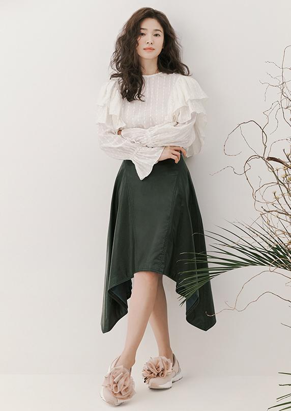 Song Hye Kyo duoc khen dep khi de toc xoan hinh anh 4 song_hy_kyo4a.png
