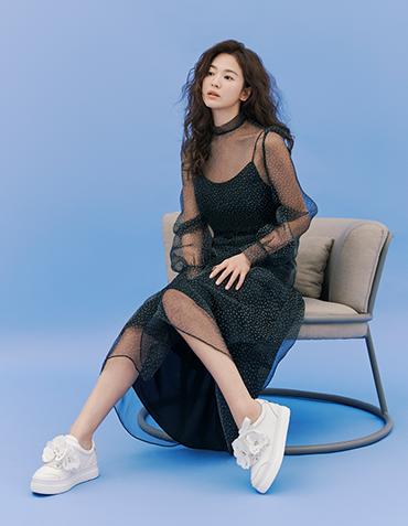 Song Hye Kyo duoc khen dep khi de toc xoan hinh anh 10 song_hy_kyo9c.png