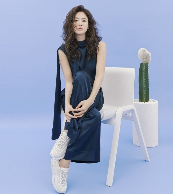 Song Hye Kyo duoc khen dep khi de toc xoan hinh anh 15 song_hye_kyo1.JPG
