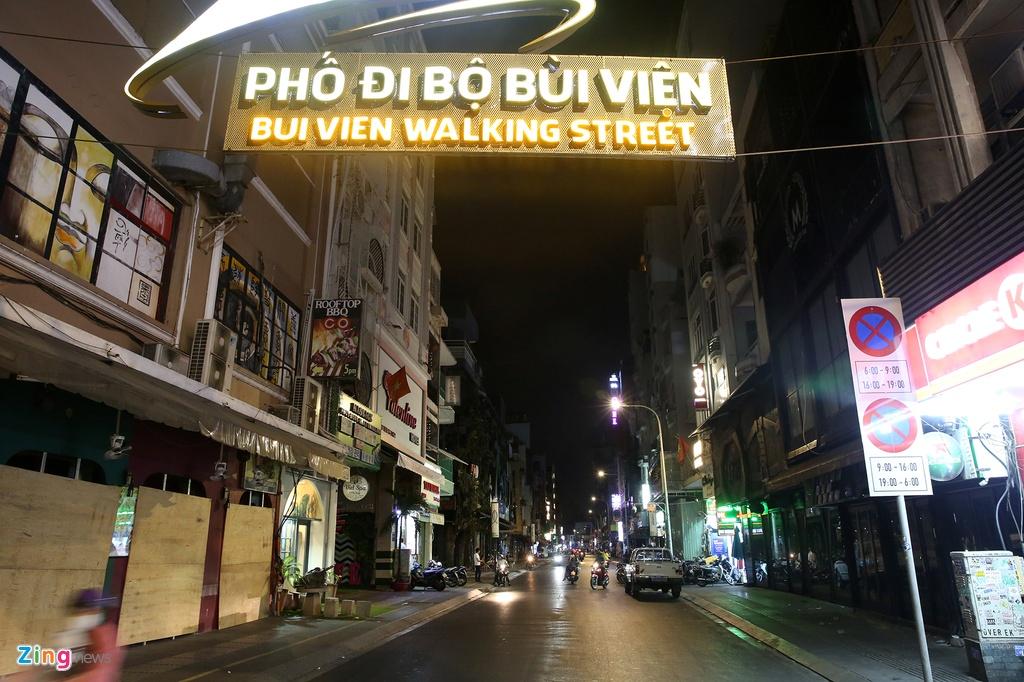 Pho phuong o TP.HCM va Ha Noi vang ve sau 19h hinh anh 9 v9_zing.jpg