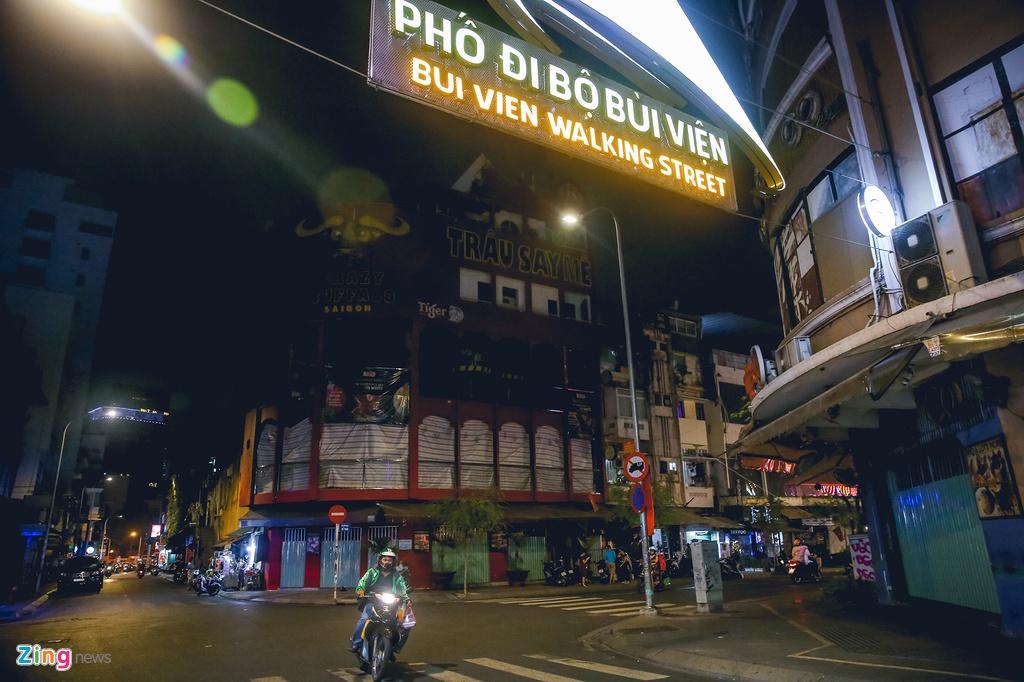 Pho Tay Bui Vien van diu hiu sau khi het cach ly xa hoi hinh anh 2 bv2_zing.jpg