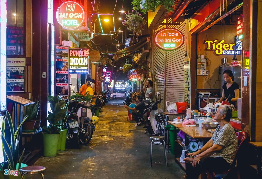Pho Tay Bui Vien van diu hiu sau khi het cach ly xa hoi hinh anh 6 bv6_zing.jpg