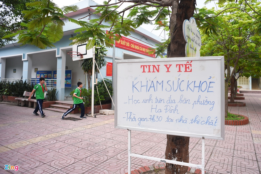 Kham suc khoe cho hoc sinh Ha Dinh anh 6