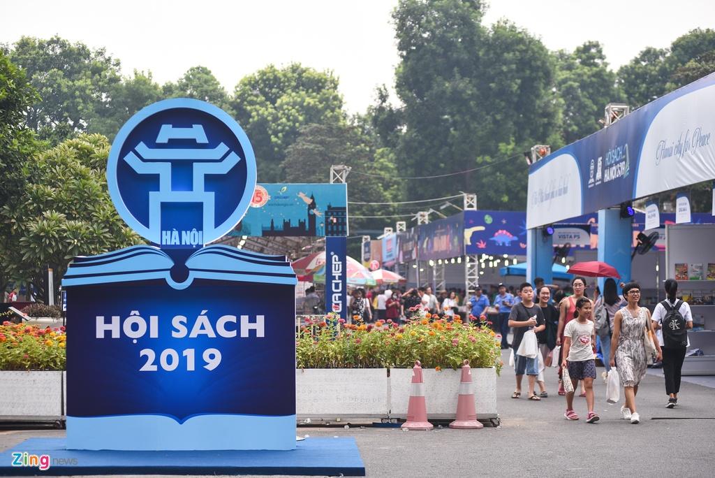 Khai mac Hoi sach Ha Noi 2019 hinh anh 1