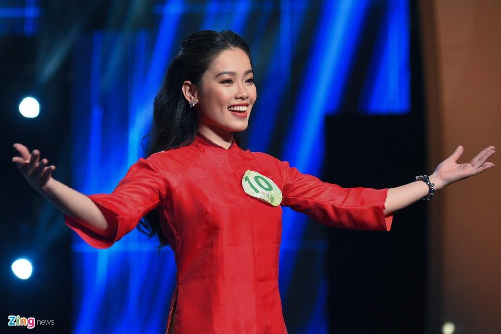 Nu phong vien cao 1,75 m doat danh hieu Hoa khoi Bao chi 2019 hinh anh 3