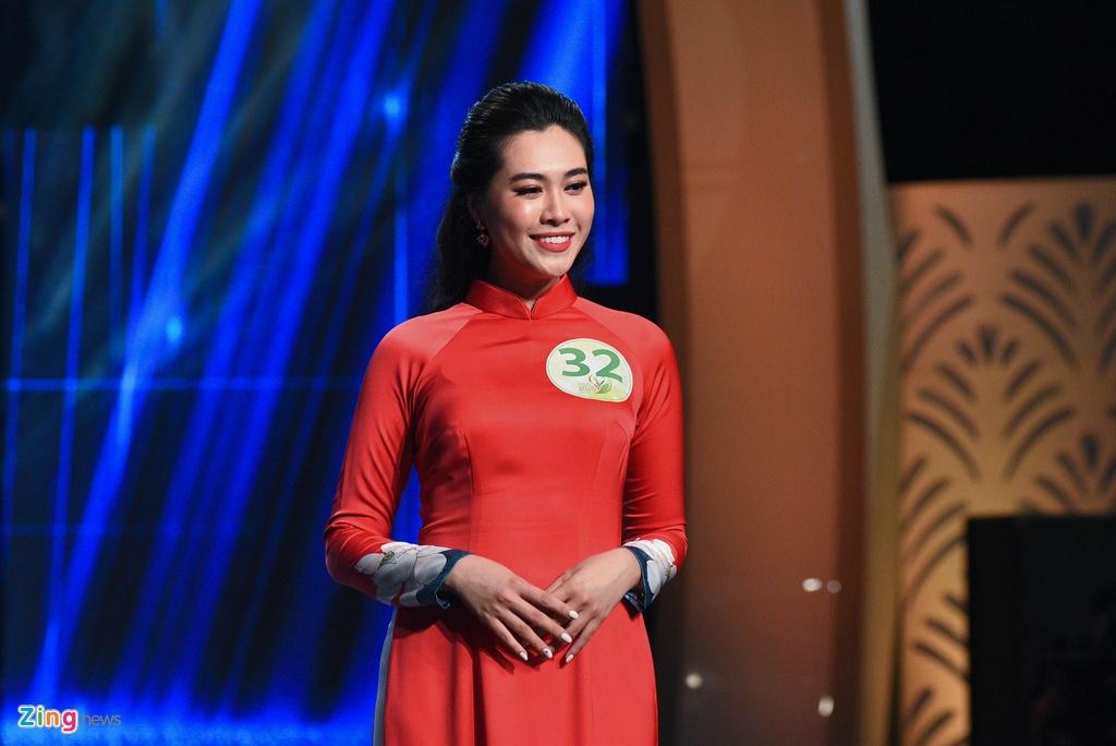 Nu phong vien cao 1,75 m doat danh hieu Hoa khoi Bao chi 2019 hinh anh 6