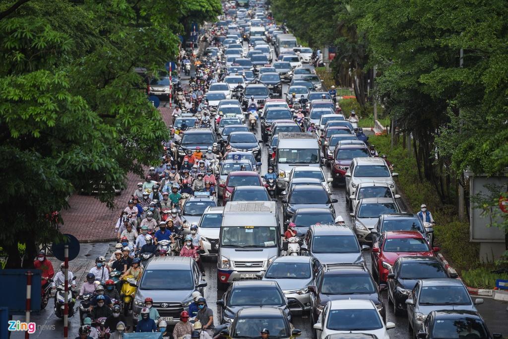 Giao thong Ha Noi roi loan trong con mua sang dau tuan hinh anh 4 DSC_3007_zing.jpg