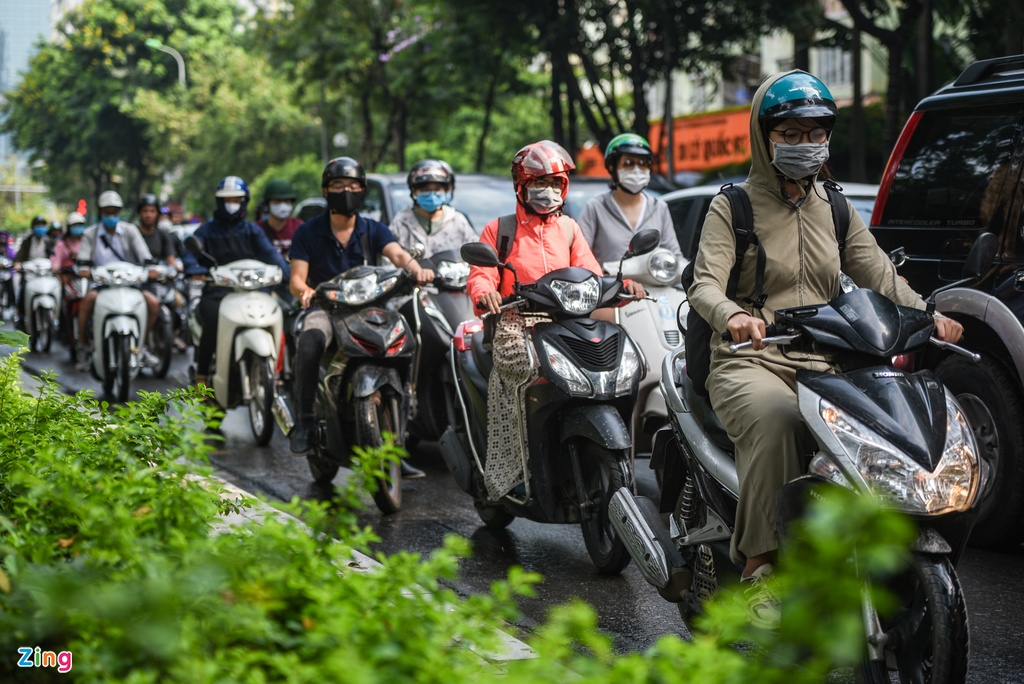 Giao thong Ha Noi roi loan trong con mua sang dau tuan hinh anh 6 DSC_3108_zing.jpg