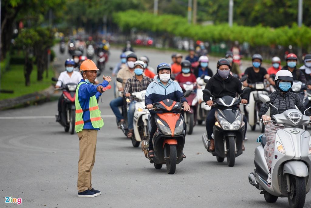 Ket xe o Nguyen Huu Canh anh 8